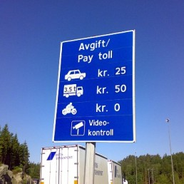 Bikes are for all practical purposes exempt from road toll in Norway.