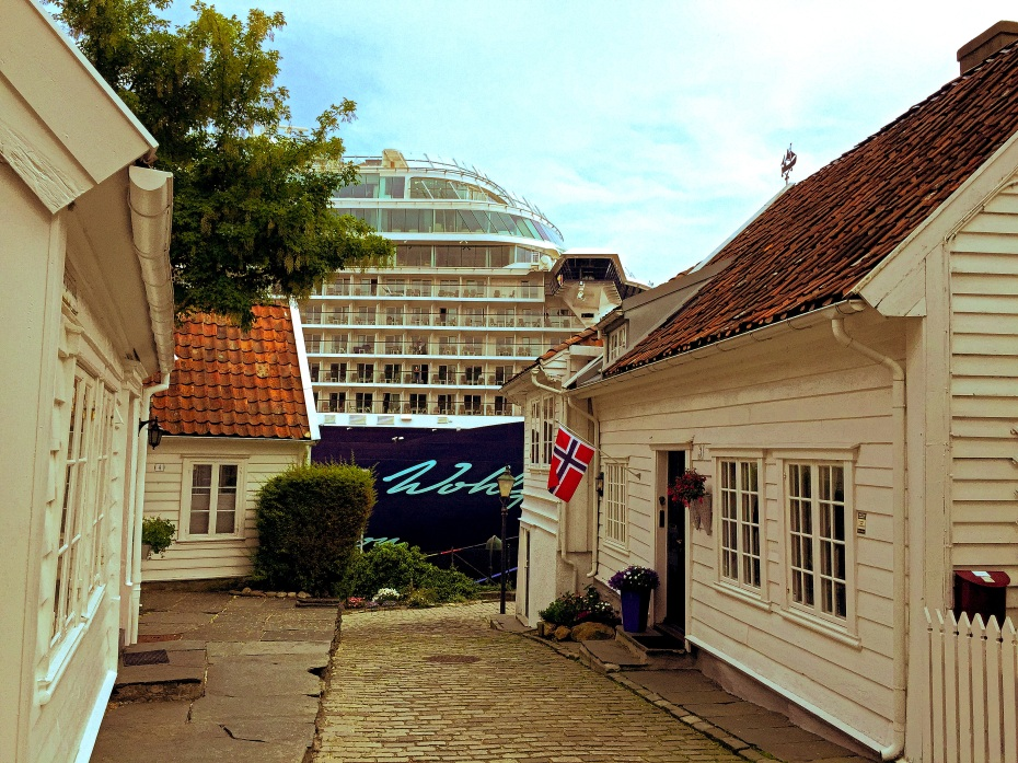 Old and new: The old town of Stavanger meets the cruise ships. Stavanger, Rogaland county, south-western Norway. Photo: ridenorway.com