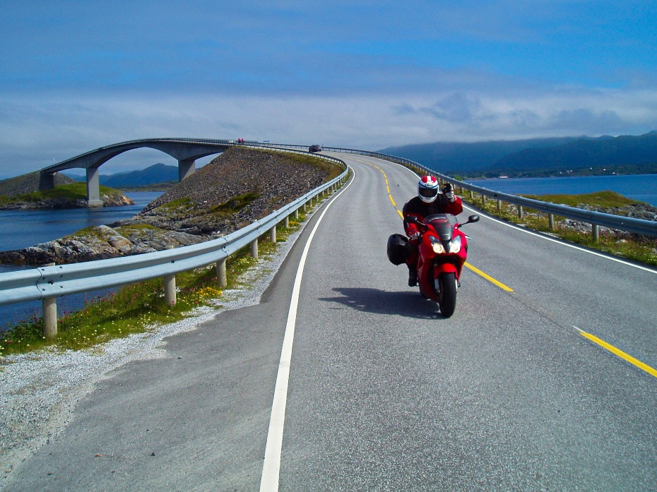 Looks like one happy rider doing the Atlantic Road (Photo: Karl Owens)