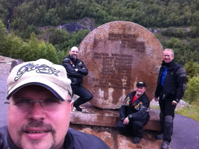 Yours truly selfie with Asle, Håkon and Geir-Olaf by the sabotage memorial monument.