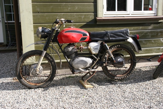 This original Guzzi Storenllo 125 Scrambler is up for some careful restoration to get it running again.