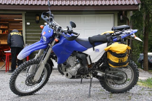 Beside a commuter Kawasaki 500, my Yamaha was the only non-Italian bike at the scene.