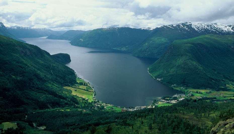 hornindalsvatnet visitnordfjord