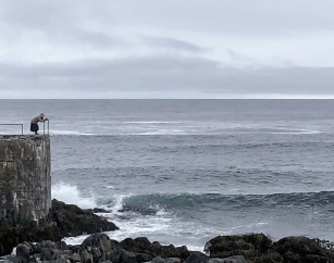 Stop at the Kjølnes lighthouse for some dramatic scenery.